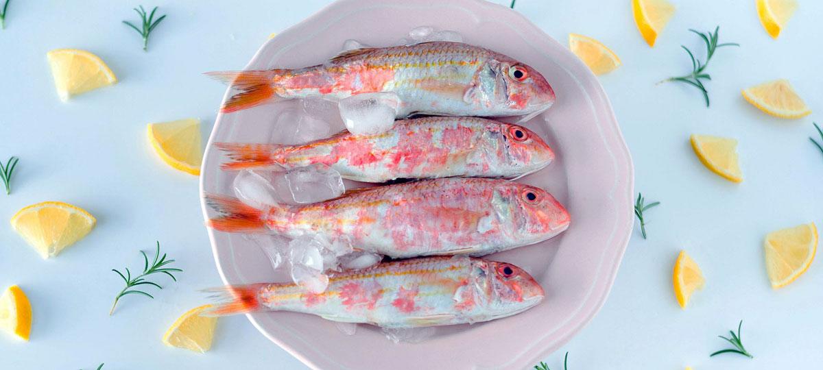 Salmonete: ese preciado pescado azul o blanco que en realidad es rosa