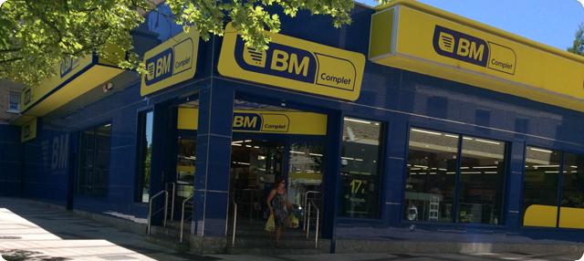 Entrada del supermercado BM Sancho el Fuerte de Pamplona