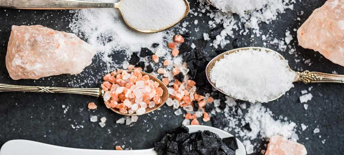 Tipos de sal y sus beneficios: marina, Maldon, del Himalaya... ¡elige la mejor!